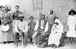 1280px-Harriet_Tubman,_with_rescued_slaves,_New_York_Times
