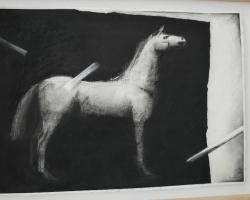 På Vida museum finns det hästar. Här av Bertil Vallien