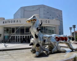 Niki de Saint Phalles verk utanför muséet
