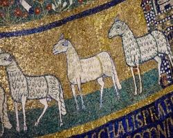 I den heliga Cecilias kyrka finns de här mosaikerna. Bara några hundra år e Kr gjordes de. Kristendomen var ny.