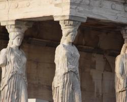 Starka kvinnor, Akropolis