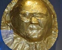 Guldmasker från gravar, 3 500 f Kr. Arkeologiska muséet Aten
